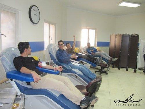 اهدای خون به مناسبت هفته پژوهش حوزه مشاوران جوان دانشگاه علوم پزشکی گلستان